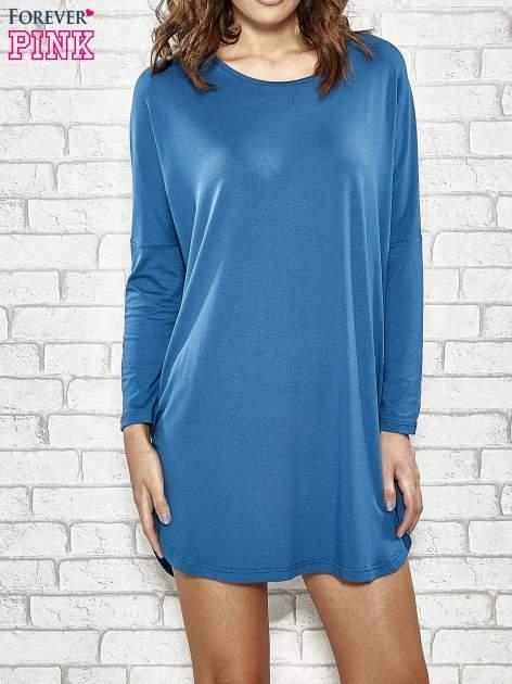 Ciemnoniebieska sukienka z rozporkami po bokach