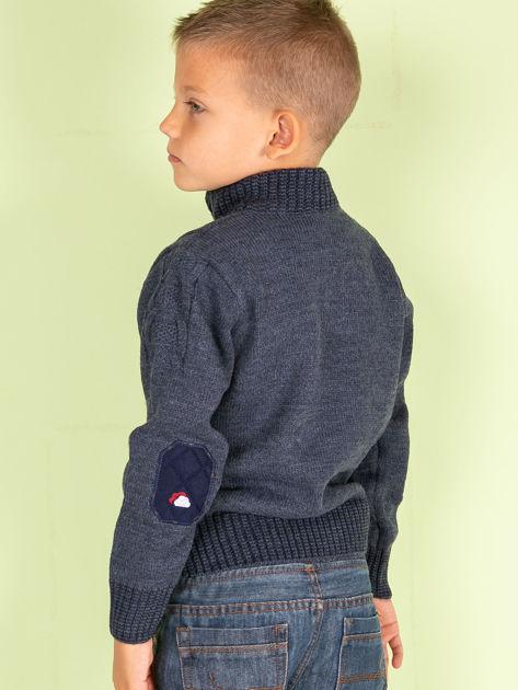 Ciemnoniebieski dziergany sweter dla chłopca                               zdj.                              3
