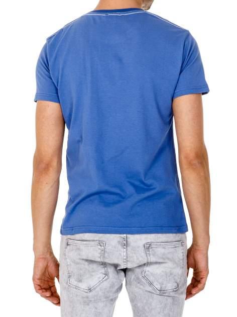 Ciemnoniebieski t-shirt męski ze sportowym nadrukiem i napisem SUPERIOR                                  zdj.                                  5