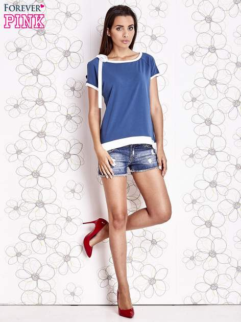 Ciemnoniebieski t-shirt z kokardą                                  zdj.                                  2