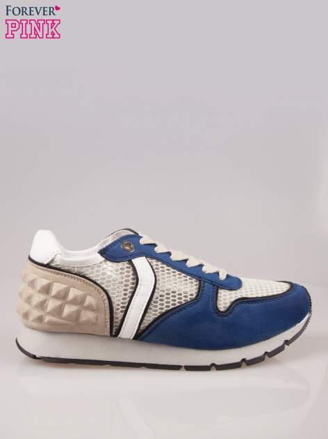 Ciemnoniebieskie buty sportowe z siateczką na wysokiej podeszwie