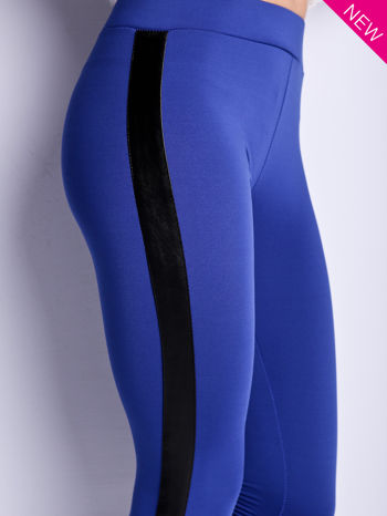 Ciemnoniebieskie legginsy ze skórzanym lampasem                                  zdj.                                  4