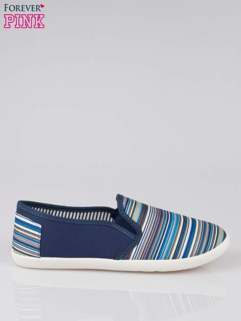 Ciemnoniebieskie pasiaste buty slip on                                  zdj.                                  1
