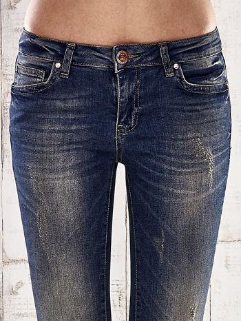 Ciemnoniebieskie spodnie skinny jeans z ćwiekami                                  zdj.                                  4