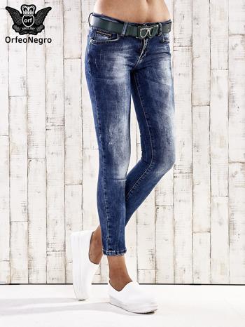 Ciemnoniebieskie spodnie skinny jeans z paskiem