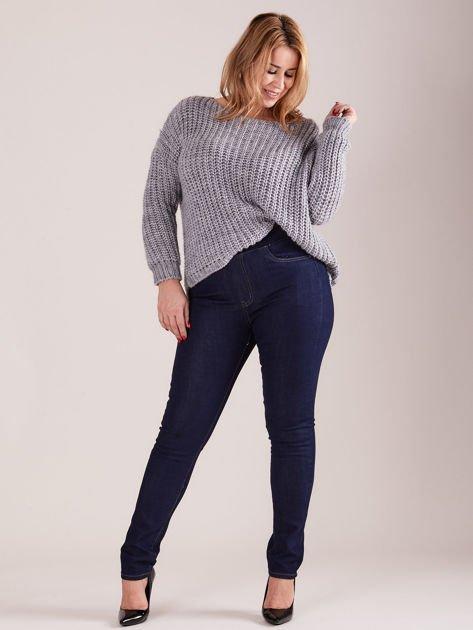 Ciemnoniebieskie spodnie z prostymi nogawkami PLUS SIZE                              zdj.                              4