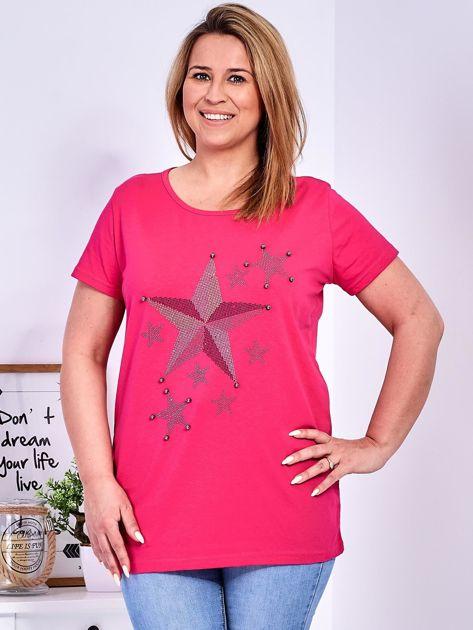 Ciemnoróżowy t-shirt z błyszczącymi gwiazdami PLUS SIZE                              zdj.                              1