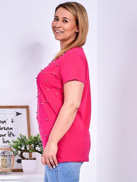 Ciemnoróżowy t-shirt z perełkami PLUS SIZE                              zdj.                              5