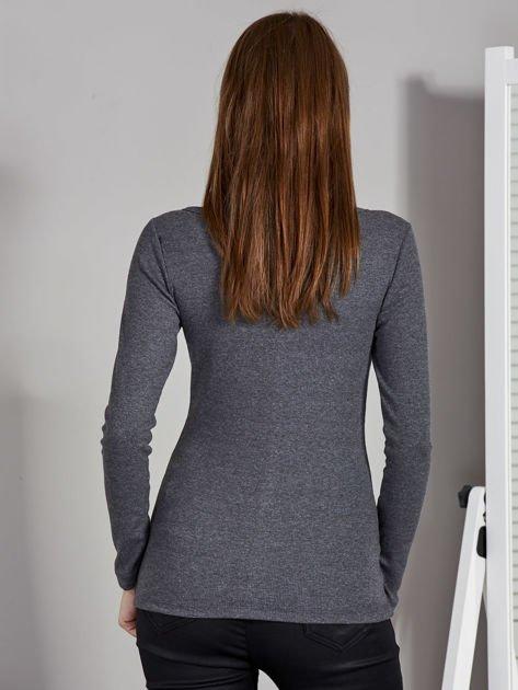 Ciemnoszara bluzka z zatrzaskami przy dekolcie                               zdj.                              2