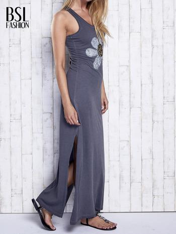 Ciemnoszara dekatyzowana sukienka maxi z cekinowym kwiatem                                  zdj.                                  3