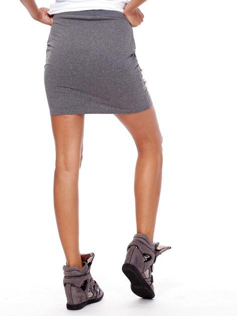 Ciemnoszara dresowa spódnica z kieszeniami i perełkami                              zdj.                              2