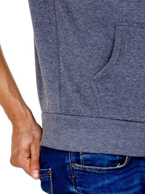Ciemnoszara gruba bluza męska z kapturem i kieszeniami                                  zdj.                                  7