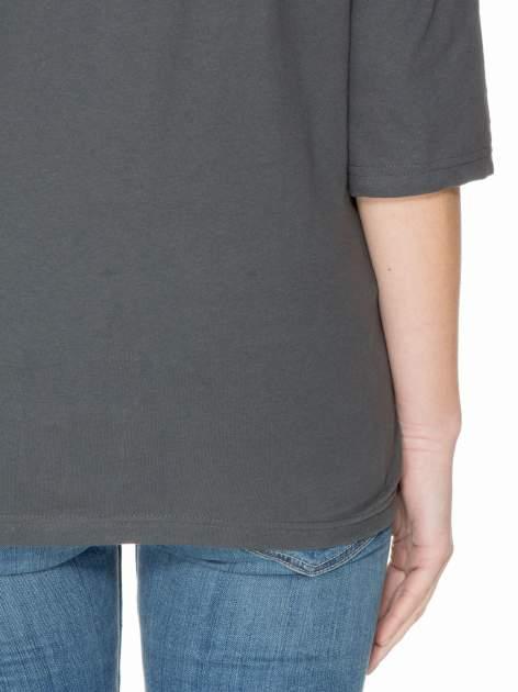 Ciemnoszara luźna bluzka z rękawem 3/4                                  zdj.                                  7