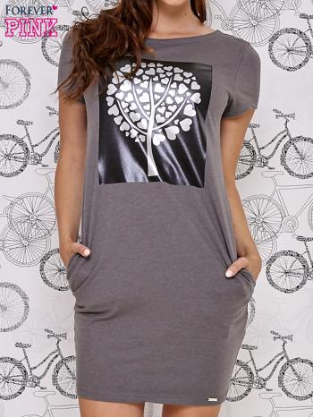 Ciemnoszara sukienka dresowa ze srebrnym printem drzewa                                  zdj.                                  1
