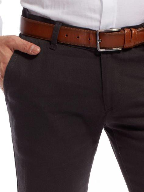 Ciemnoszare spodnie męskie chinos                              zdj.                              5