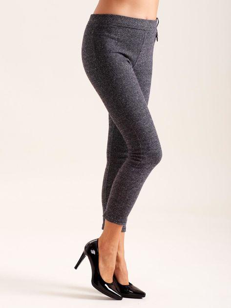 Ciemnoszare spodnie w drobne wzory                              zdj.                              3