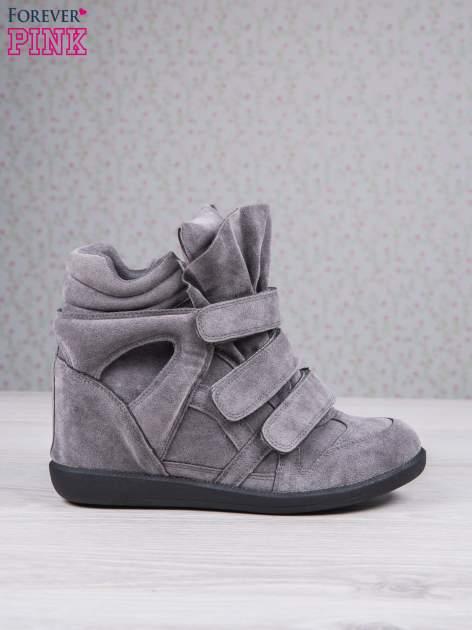 Ciemnoszare zamszowe sneakersy na rzepy Tris                                  zdj.                                  2