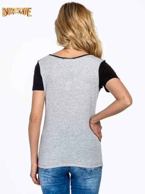 Ciemnoszaro-czarny t-shirt z napisem DREAMY VIBES 86 PARIS                                  zdj.                                  3