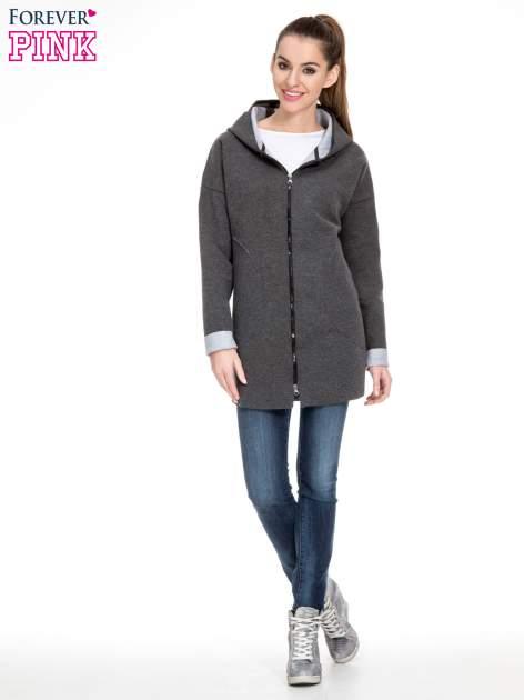 Ciemnoszary dresowy płaszcz oversize z kapturem                                  zdj.                                  2