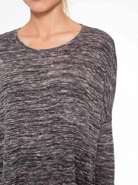 Ciemnoszary melanżowy sweter z rękawami 3/4                                  zdj.                                  5