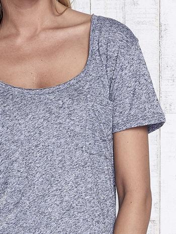 Ciemnoszary melanżowy t-shirt z okrągłym dekoltem                                  zdj.                                  6