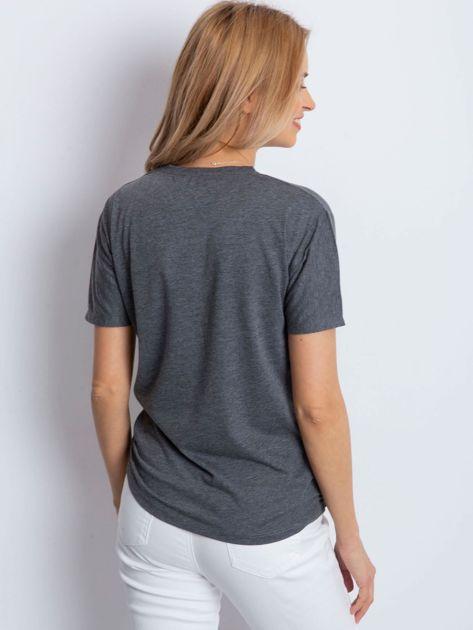 Ciemnoszary t-shirt z biżuteryjnymi wstawkami                              zdj.                              5