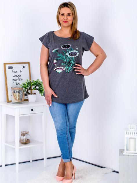 Ciemnoszary t-shirt z kwiatowym printem PLUS SIZE                                  zdj.                                  4