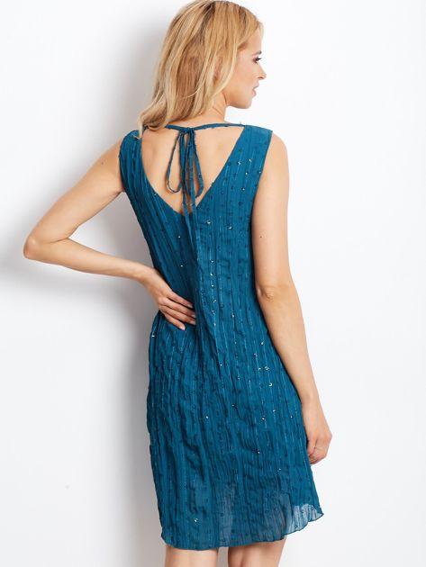 Ciemnoturkusowa sukienka z cekinami i wiązaniem z tyłu                                  zdj.                                  3