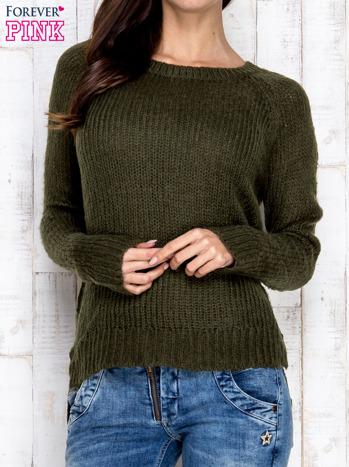 Ciemnozielony dzianinowy sweter o szerokim splocie                                  zdj.                                  1