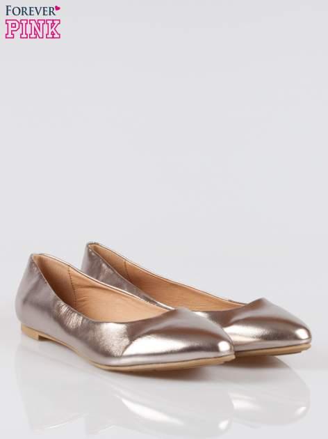 Ciemnozłote baleriny faux leather Chloe ze smukłym noskiem                                  zdj.                                  2