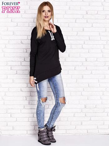 Czarna asymetryczna bluza z troczkami                              zdj.                              2