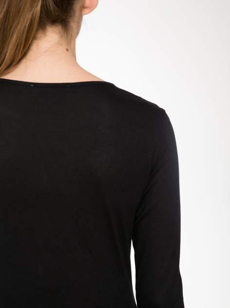 Czarna bawełniana bluzka typu basic z długim rękawem                                  zdj.                                  7