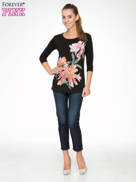 Czarna bawełniana bluzka z motywem kwiatowym                                  zdj.                                  2