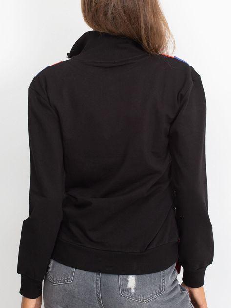 Czarna bluza dresowa z trójkątną aplikacją                              zdj.                              2