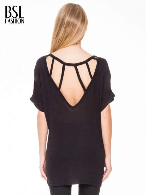 Czarna bluza oversize z dekoltem typu pajęczyna                                  zdj.                                  4