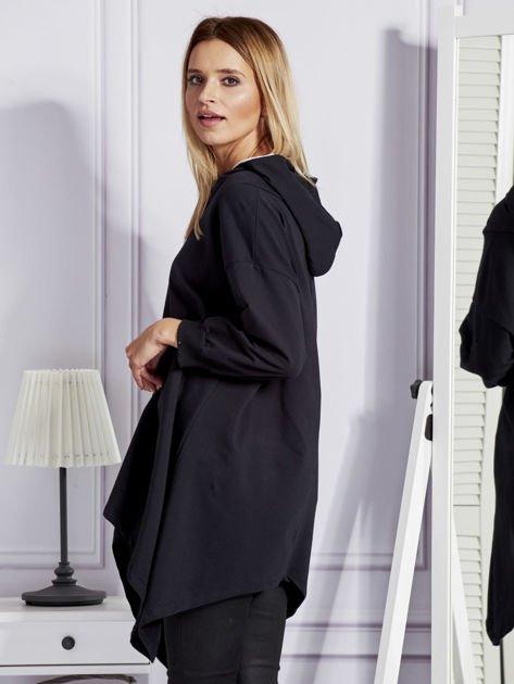 Czarna bluza oversize z kapturem                              zdj.                              3