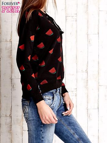 Czarna bluza w arbuzy z wiązaniem                                  zdj.                                  3