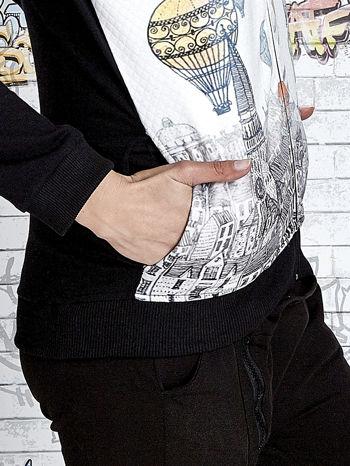 Czarna bluza z kapturem i nadrukiem balonów                                  zdj.                                  7