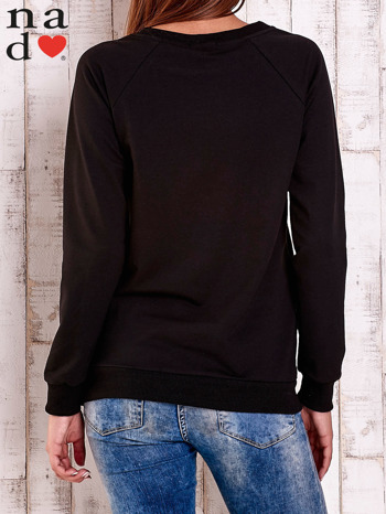 Czarna bluza z nadrukiem serca i napisem JE T'AIME                                   zdj.                                  4