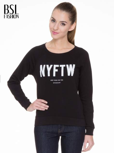 Czarna bluza z reglanowymi rękawami i napisem NYFTW                                  zdj.                                  1