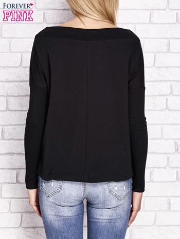 Czarna bluza z szerokim ściągaczem i troczkami                                  zdj.                                  2