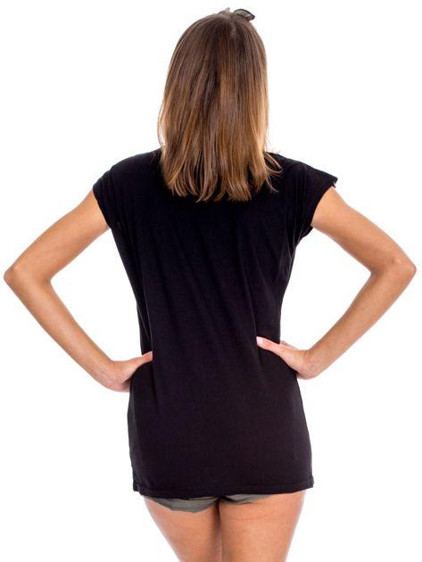 Czarna bluzka damska z ażurowaniem na rękawach                              zdj.                              2