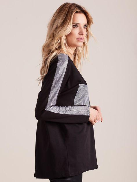 Czarna bluzka oversize ze srebrnymi wstawkami                              zdj.                              3