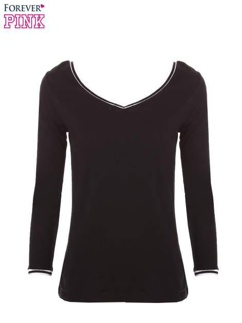 Czarna bluzka z kontrastową lamówką                                  zdj.                                  3