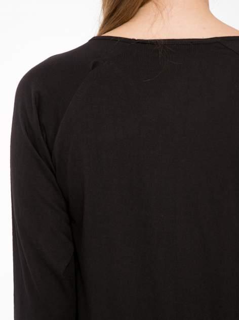Czarna bluzka z marszczonym dekoltem i rękawkami 3/4                                  zdj.                                  7