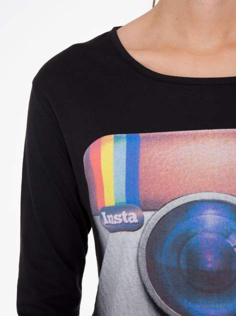 Czarna bluzka z nadrukiem loga Instagrama                              zdj.                              5