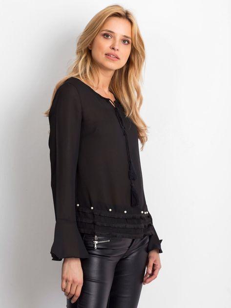 Czarna bluzka z wiązaniem i perełkami                               zdj.                              2