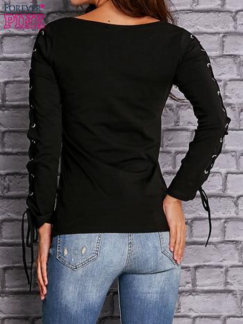 Czarna bluzka z wiązaniem na rękawach                                  zdj.                                  4