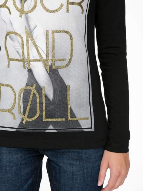 Czarna bluzka ze złotym brokatowym napisem ROCK AND ROLL                                  zdj.                                  6