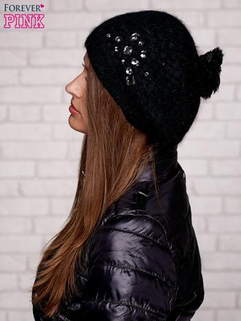 Czarna czapka z błyszczącą aplikacją                                  zdj.                                  2